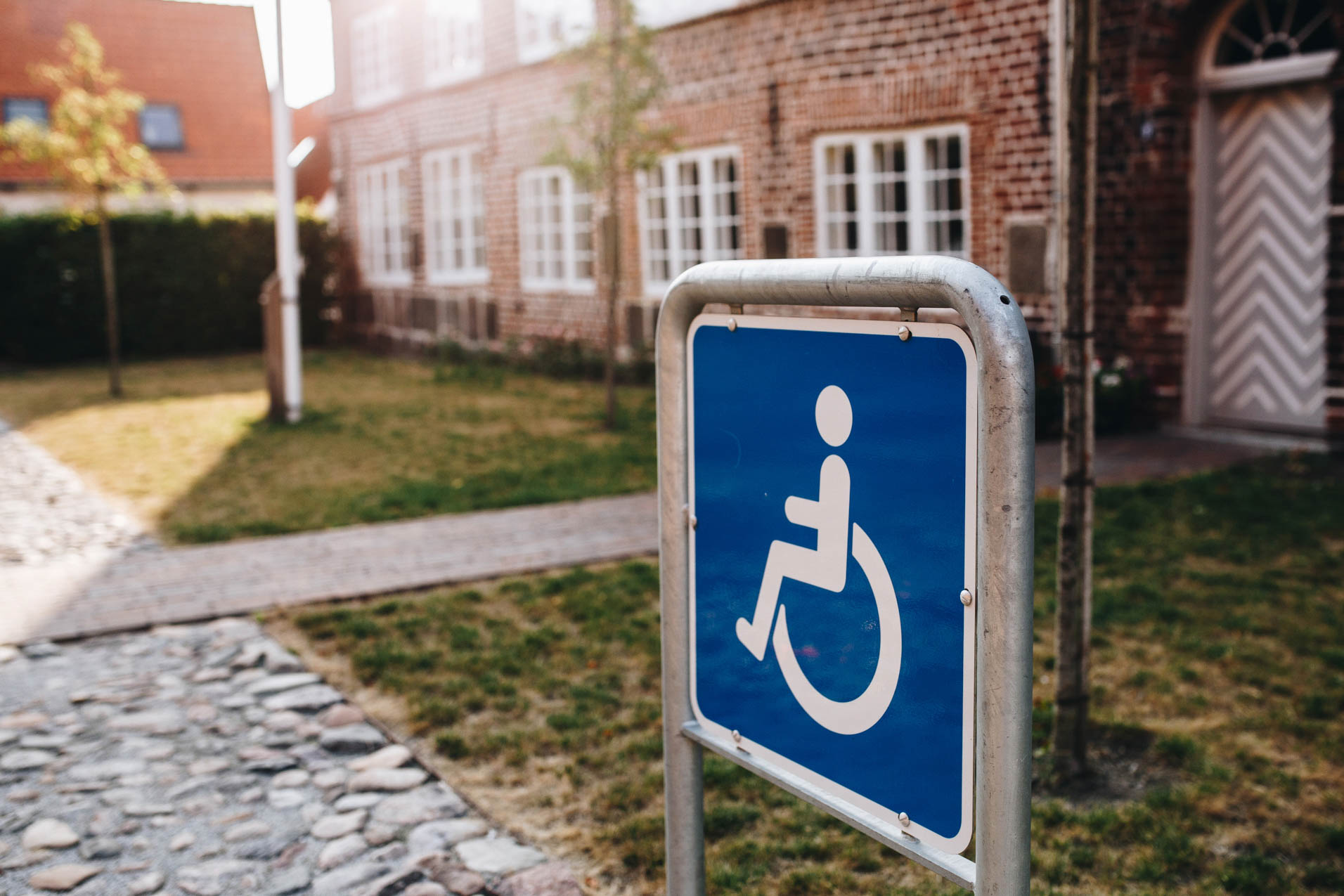 Handicap sign outside a building